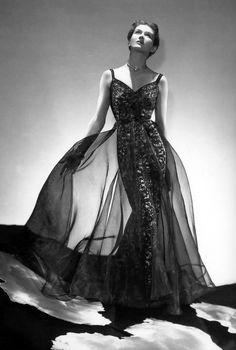 Madame Gres - April 1937 - New York - Harper's Bazaar - Photo by George Platt Lynes