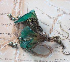 Lucite Flower Earrings, Victorian Earrings, Boho Earrings, Drop Earrings, Handmade Earrings, Green Dangle Earrings. Hand Painted. Vintage