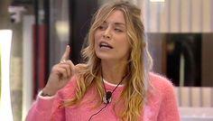 Al GF Vip lite furibonda tra Valeria Marini ed Elenoire Casalegno, tutto a causa dello 'scolapasta della discordia'...