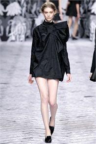 Sfilata Viktor & Rolf Paris - Collezioni Autunno Inverno 2013-14 - Vogue