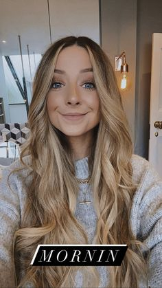 Zoe Sugg, Zoella, Role Models, My Best Friend, Youtubers, Bangs, Love Her, Celebs, Pure Products