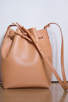 Mansur Gavriel Bucket bag in Cammello with raw interior Mansur Gavriel Bucket Bag, My Photos, Handbags, Purses, Interior, Accessories, Clothes, Fashion, Outfits