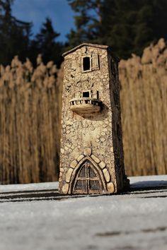 Dům ze souostroví Glénan Clay Houses, Ceramic Houses, Pottery Studio, Fairy Houses, Clay Art, Bird Feeders, Pottery Ideas, Outdoor Decor, Photoshop