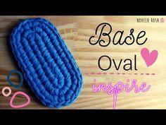 Crochet Slipper Pattern, Crochet Slippers, Crochet Patterns, Paracord Projects, Basket Bag, How To Purl Knit, Crochet Handbags, T Shirt Yarn, Crochet Home