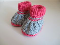 Knitting Patterns Booties Knitted & Crocheted Shoes – Baby Shoes M Knitted Gray and Pink Merino – One D … Knit Baby Shoes, Knit Baby Dress, Booties Crochet, Crochet Baby Booties, Knitting For Kids, Baby Knitting Patterns, Knitting Socks, Hand Knitting, Baby Slippers