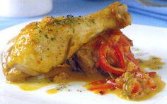 Receta de Pollo al estilo vasco en http://www.recetasbuenas.com/pollo-al-estilo-vasco/ Prepara esta buena receta de pollo al estilo vasco de forma rápida y fácil. Un pollo acompañado de pimientos, cebollas aromatizado con hiervas y vino blanco  #recetas #Carne #pollo