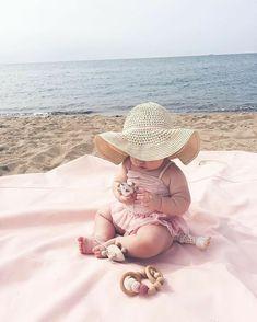 So Cute Baby, Cute Kids, Cute Babies, Beach Babies, Baby Beach Photos, Cute Baby Pictures, Future Maman, Future Baby, Baby Tumblr
