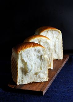 Oh, this looks like a good project for this week...  Haven't baked bread in years and may have to give stuff away to the neighbors but looks amazing!!