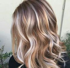 Gorgeous blonde for fall with dimension