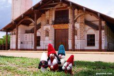 Today the Gnoramà family of Gnomes is on a trip to San Ignacio de Velasco, an ancient Jesuit mission in Bolivia. A new photo for the family album! #gnomes #felt #gnoramaaroundtheworld #sanignaciodevelasco #bolivia