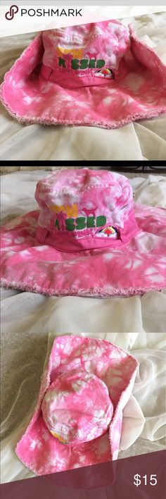 VS PINK floppy hat Sun Kissed Love Pink OS 💕💕 VS PINK Tie-dye floppy hat that snaps on each side to turn brim up into more of a cowboy hat style PINK Victoria's Secret Accessories Hats