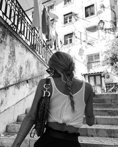 Black and White Photography People: Get Professional Looking Pictures With These Tips – Black and White Photography Black And White Aesthetic, Black N White, Summer Aesthetic, Aesthetic Girl, Aesthetic Outfit, Aesthetic Shoes, Travel Aesthetic, Mode Ootd, Foto Fashion