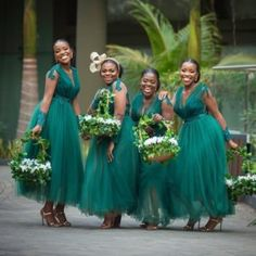 Bridesmaid Dresses, truly terrific dress example number 6919207806 - more romantic bits of bridesmaid dress fashion. In need further super eye popping ideas? Please pop to the pin 6919207806 right now. Lilac Bridesmaid Gowns, Forest Green Bridesmaid Dresses, African Bridesmaid Dresses, Modern Bridesmaid Dresses, Yellow Bridesmaid Dresses, Wedding Bridesmaids, Green Bridesmaids, Bridesmaid Outfit, Propositions Mariage