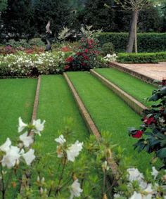 Smart Ideas for Sloped Garden Design Picture 14 - Awesome Indoor & Outdoor Terraced Landscaping, Landscaping Rocks, Sloped Backyard Landscaping, Terraced Backyard, Garden Design Pictures, Sloped Yard, Garden Stairs, Garden Arches, Traditional Landscape
