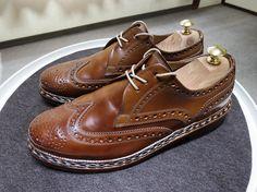 Heinrich Dinkelacker 今日は明るい靴を磨いてましてこれが最後段々色が濃くなってきました #heinrichdinkelacker #buda #cordovan #whiskycordovan #shoes #shoecare #saphir #ハインリッヒディンケラッカー #ハインリッヒディンケルアッカー #コードバン #ウイスキーコードバン #ウィスキーコードバン #紳士靴 #革靴 #靴磨き