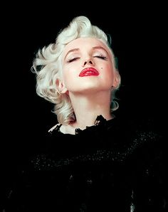 Marilyn photographed by Milton Greene, 1954.