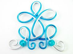 Pendant in wire wrapped aluminium and beads (turquoise and silver)