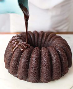 Welcome to King Arthur Flour's Year of the Bundt! We're celebrating this classic American dessert with a variety of recipes throughout the year, and this cake is perfect for all of you chocolate-lovers: Chocolate Fudge Bundt Cake. Chocolate Bunt Cake, Flourless Chocolate Cakes, Chocolate Flavors, Chocolate Chocolate, Chocolate Recipes, How To Make Chocolate, Homemade Chocolate, Bunt Cakes, Cupcake Cakes