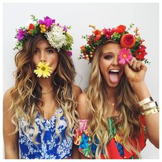«beauties @rockybarnes and @abbychampion looking lovely in their #mooninflora crowns»