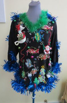 b9215a86d13 Tropical Christmas in Paradise Tacky Ugly Christmas Sweater Fish Seahorse  Size S Beading Garland Feathers Wild Fun