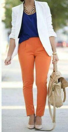 Pantalon orange- comment associer les couleurs de ses vêtements Pantalon Vert Olive, Pantalon Orange, Orange Aesthetic, Work Looks, Sexy Bikini, Classic Style, Fall Outfits, Capri Pants, Dressing