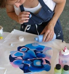 Pour, Puddle, Drip Lift, Peel, Cut Crazy Cool Stuff You Can Only Do with Acrylic Paints - themindfulartist.comthemindfulartist.com