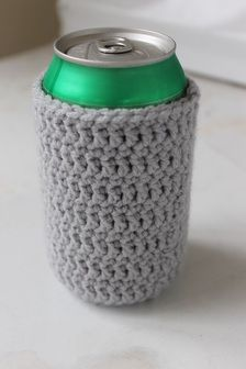 Crochet soda can coozie