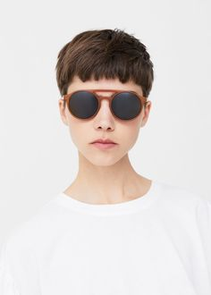 Acetate frame sunglasses - Woman in 2020 Asian Short Hair, Short Dark Hair, Short Hair Cuts, Shot Hair Styles, Curly Hair Styles, Girls Short Haircuts, Edgy Hair, Diane Kruger, Salon Style