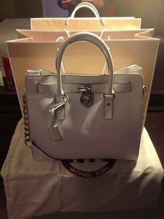 michael kors tote !$64 Holy cow, I'm gonna love this site