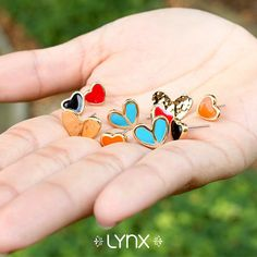 #winter #cold #holidays #snow #rain #christmas #blizzard #snowflakes #wintertime #staywarm #cloudy #holidayseason #season #nature #LynxAccesorios #jewelry #collection #earrings #love #hearts