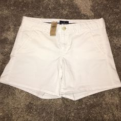 """NWT American Eagle outfitters stretch shorts 8 NWT White stretch midi shorts inseam 5"""" 97% cotton, 3% elastane size 8 American Eagle Outfitters Shorts"""