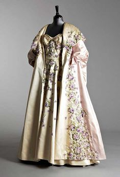 1955 Pierre Balmain Ball Gown and matching Evening Coat: Autumn / Winter Collection. Sold for £1700 in December 2007