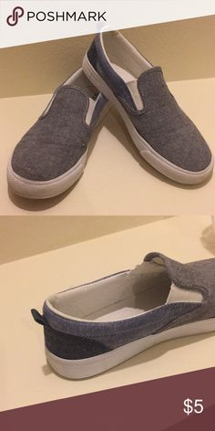 3107130a39d Old Navy Blocked greyscale Canvas slip-on shoes Good condition Model  colored greyscale Canvas slip
