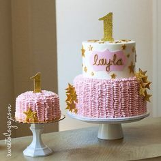 Happy 1st birthday Layla! A twinkle twinkle little star birthday cake with matching smash cake, ...