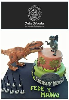 Torta de Jurassic World Dinosaur Birthday Cakes, New Birthday Cake, Park Birthday, Dinosaur Cake, Dinosaur Party, 4th Birthday Parties, Birthday Party Decorations, Happy Birthday, Jurassic World Cake