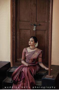 Kerala Wedding Saree, Bridal Sarees South Indian, Wedding Silk Saree, Indian Bridal Outfits, Indian Bridal Fashion, Kerala Bride, Kerala Engagement Dress, Engagement Saree, Christian Wedding Sarees