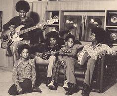 The Jackson 5 - L-R (Jermaine, Michael, Tito, Marlon, and Jackie Jackson. Michael Jackson, Jackie Jackson, The Jackson Five, Jackson Family, Mike Jackson, Brooke Shields, Familia Jackson, Robin, Got To Be There
