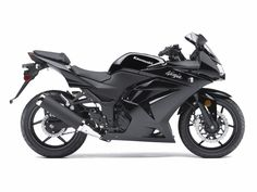 Kawasaki Ninja 250R - This is the bike I've been wanting for a couple years now. I'm 16, about to get my license, and soon, hopefully this bike!!