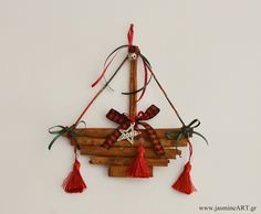 christmas ornament with cinnamon sticks Christmas Ships, Christmas Mood, Christmas Wreaths, Christmas Decorations, Christmas Ornaments, Christmas Projects, Diy And Crafts, Christmas Crafts, Paper Crafts