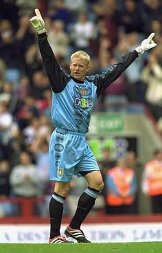 Peter Schmeichel of Aston Villa during the Intertoto Cup third round second leg match against NK Slaven Belupo at Villa Park in Birmingham, England. \ Mandatory Credit: Phil Cole /Allsport Get premium, high resolution news photos at Getty Images Peter Schmeichel, Aston Villa Fc, Manchester United Legends, Villa Park, Man United, Goalkeeper, Vikings, Soccer, The Unit