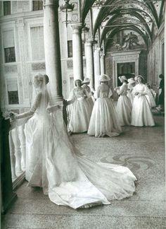 Ma il tuo abito da sogno e come quello delle principesse?(Grace Kelly  cit A.R.) Www.tosettisposa.it #matrimonio #wedding #nozze #abitodasposa