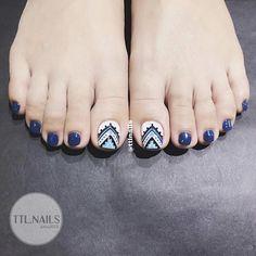 French Manicure Gel Nails, Gel Toe Nails, Feet Nails, Glam Nails, Pedicure Nails, Toe Nail Art, Pedicure Designs, Toe Nail Designs, Karma Nails
