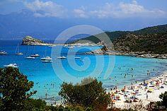 Una vista della spiaggia di Lotu situata sulle rive del deserto di Agriates sulla costa nordoccidentale della Corsica
