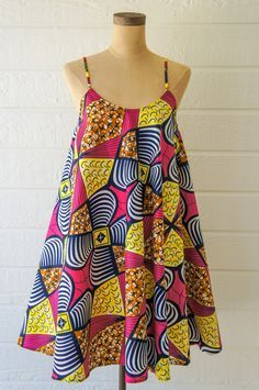 ankara mode Here are the Top sexy ankara fashion trends you need to try right now each of them are easy and we are certain your fashion designer can deliver African Fashion Designers, African Fashion Ankara, Latest African Fashion Dresses, African Print Fashion, Africa Fashion, African Style, African Dashiki, Modern African Fashion, Modern African Clothing