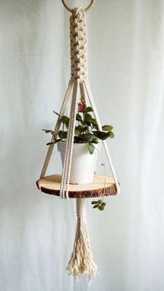 Fantastic Free of Charge Macrame Plant Hanger succulent Strategies Macrame Plant Hanger Modern Plant Hanger Hanging Garden Indoor Garden- Hanging Plant Shelf Diy Wood Shelves, Plant Shelves, Macrame Art, Macrame Projects, Macrame Modern, Macrame Knots, Micro Macrame, Diy Projects, Plants For Hanging Baskets