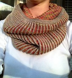 Free Pattern: Brioche Hat and Cowl - Knit/Crochet: Scarves & Cowls Knit Cowl, Knitted Shawls, Crochet Scarves, Lace Shawls, Loom Knitting, Knitting Stitches, Free Knitting, Finger Knitting, Knit Patterns