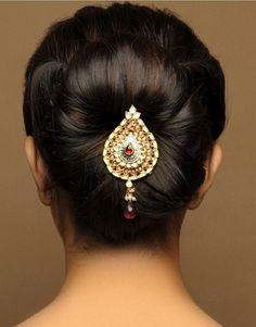 Indian Bridal Bun Hairstyles - Indian Beauty Tips Protective Hairstyles, Bun Hairstyles, Trendy Hairstyles, Fashion Hairstyles, Hairstyles Pictures, Creative Hairstyles, Fashion Trends 2018, Trends 2016, Fashion 2014