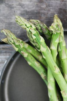 Tasty PLan - Asparagus, Potato, and Spring Pea Quinoa Pureed Food Recipes, Whole Food Recipes, Healthy Recipes, Plum Juice, Local Products, Italy Food, Fruit In Season, Harvest Time, Artichokes