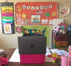 Continue Reading 42 Amazing Design Vipkid Classroom Decor To Inspiring Designers. Classroom Background, Kids Background, Online Classroom, Classroom Setup, Classroom Organization, Education Degree, Education College, Online College, Elementary Education