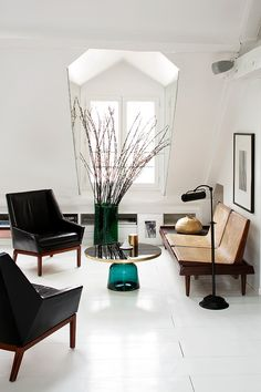 Minimalist Concept For House Is Becoming A Currently Trend That Growing  More Rapidly. Demand For Minimalist Design Is Wide Open.